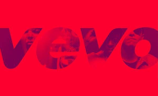 Портал VEVO подсчеты просмотров с которого суммируются с YouTube опубликовал список 10 самых просматриваемых клипов 2015 года. Первое место занял ролик Марка Ронсона и Бруно Марса Uptown Funk набравший 1 млрд 135 млн просмотров.   Второе место за видео Тейлор Свифт Blank Space а замыкает тройку клип Maroon 5 Sugar.   Самой молодой участницей рейтинга стала Адель с роликом Hello  за менее чем 2 месяца видео набрало более 590 млн просмотров.   10 самых просматриваемых клипов 2015 года:   1)…