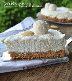 Cheesecake Raffaello ricetta dolce senza cottura