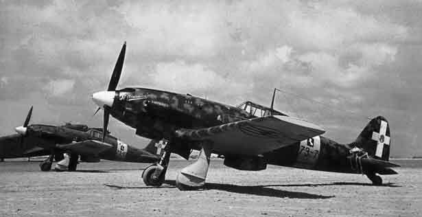 Macchi M.C.202 Folgore at; http://www.aeronautica.difesa.it/storiaTradizione/LaStoria/PublishingImages/Storia_09_003.jpg (Italian)