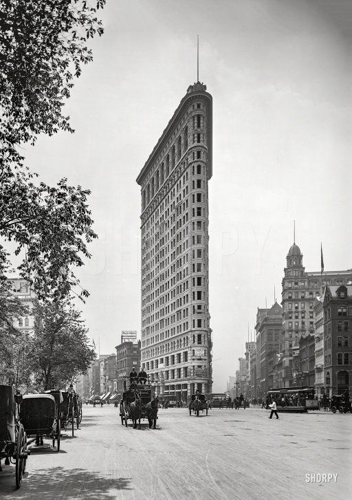 """Flat-Iron Building, Fifth Avenue and Broadway."" New York circa 1903.  http://www.shorpy.com/node/20389 Detroit Publishing"