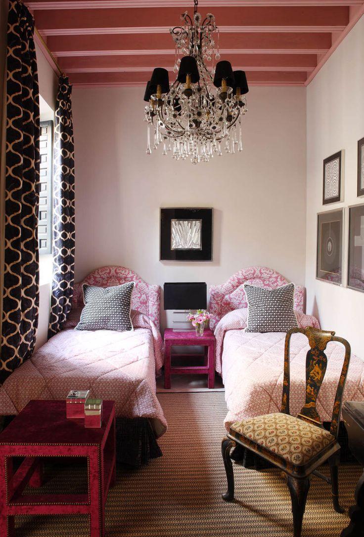 Best 25 Black Bedrooms Ideas On Pinterest Black Bedroom Decor Black Beds And Dark Bedrooms