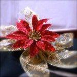 Anel de guardanapo com flor de natal