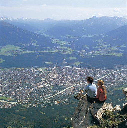 Innsbruck Tourismus freut sich über Wintersaison der Rekorde | Fotograf: Innsbruck Tourismus | Credit:Innsbruck Tourismus | Mehr Informationen und Bilddownload in voller Auflösung: http://www.ots.at/presseaussendung/OBS_20120522_OBS0006