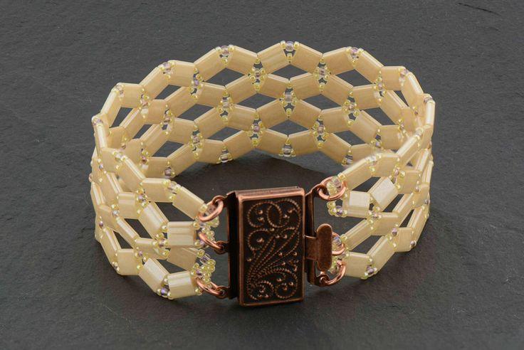 Bohemian Bracelet, Tila Beads Bracelet(Etsy のTrendArtJewelryより) https://www.etsy.com/jp/listing/518669709/bohemian-bracelet-tila-beads-bracelet