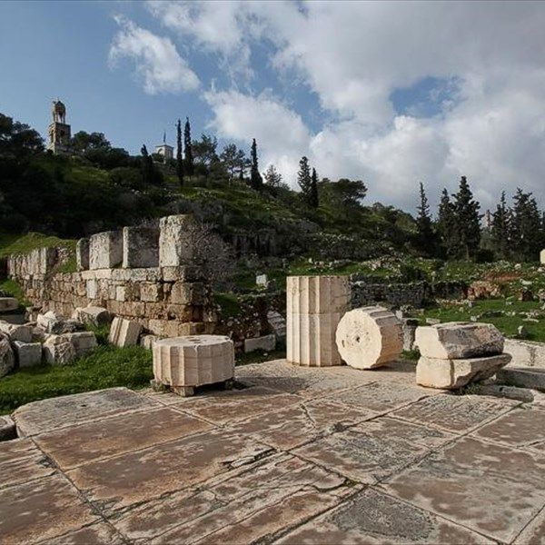 Τα Ελευσίνια Μυστήρια, τα σημαντικότερα της αρχαίας Ελλάδας, θα παρουσιαστούν στην περιοδική έκθεση «Ιερά Οδός και Ελευσίνα» που θα πραγματοποιηθεί από 15 Δεκεμβρίου έως 16 Μαΐου 2018, στο Μουσείο Ακρόπολης.