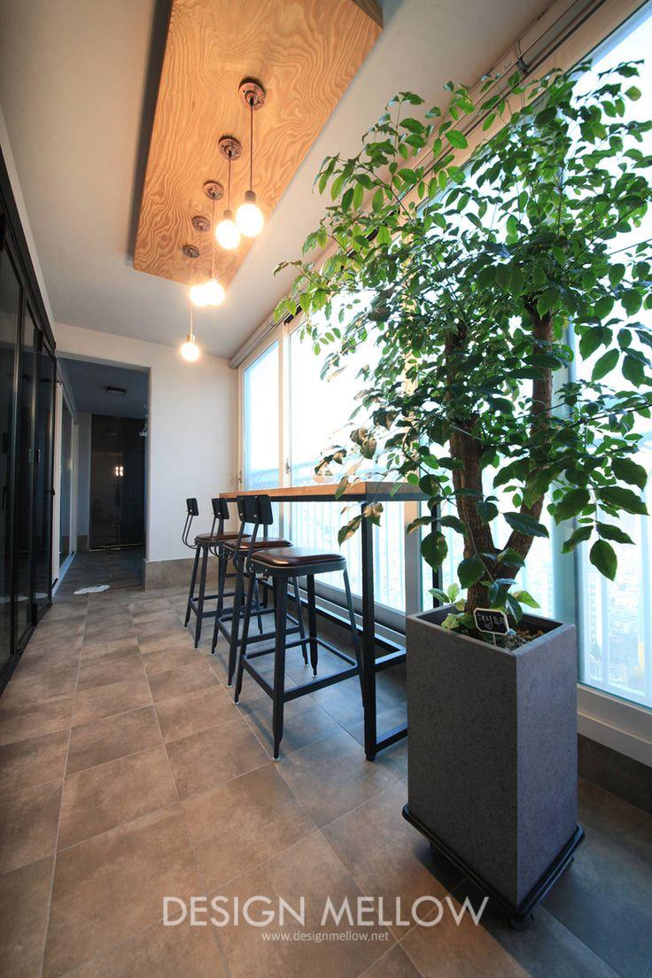 로망이 담긴 34평 아파트 인테리어 : 모던스타일 발코니, 베란다 & 테라스 by 디자인 멜로 (design mellow)