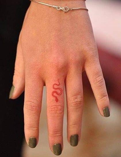 Red Ink Tattoo – tatouage – #Red #Tatouage # Tattoo #Ink