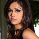 Découvrez les dernières photos de l'actrice Aparnaa Bajpai.    Aparanaa a notamment jouée dans Easan de Sasikumar.    Elle joue actuellement dans trois films, Karuppampatti en Tamil, O Manasa en Telugu et Mumbai 125 KM en Hindi.