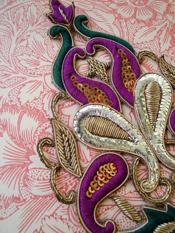 Baroque style Paisleys entwined boteh/palme by Baubletjes on Etsy