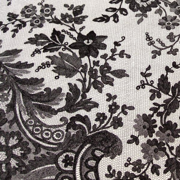 black-lace-shawl-detail3