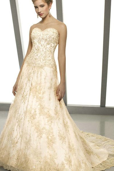 Strapless Ruched Long Elegant V Neck Sweetheart Appliques Champagne Wedding Dress In