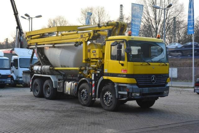 We sell cheap Concrete Mercedes Benz 3235 8x4 Second Hand. Manufacture year: 1999. Air Conditioning. Weight: 32000 kg. Mileage: 380717 km. Excellent running condition. Ask us for price. Reference Number: AC2369. Baurent Romania.