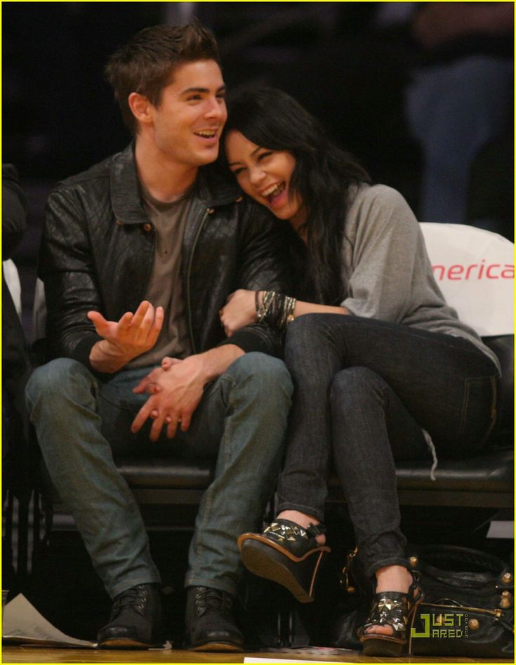 jepp I miss the two they were my childhood, but that they will remain ! Zanessa 4ever !