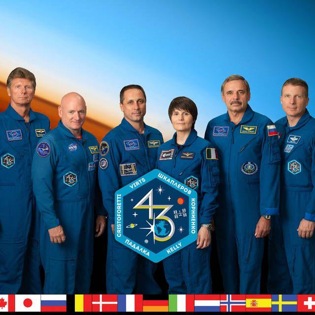 Expedition 43 Insignia- The Crew;  Commander Terry Virts Anton Shkaplerov Samantha Cristoforetti Scott Kelly Mikhail Kornienko Gennady Padalka