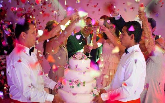 Confira todos os detalhes da decoração rosa e dourada da festa da Verônica Marques | Capricho