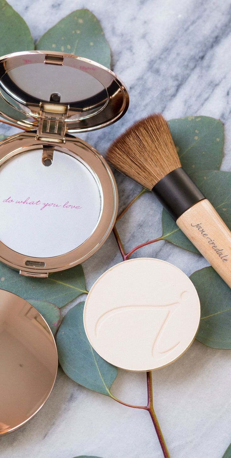 Learn how to make your skin look flawless with this easy full coverage foundation routine for all skin types using the best powder foundation and setting spray - jane iredale's PurePressed Base®️️ Mineral Foundation and POMMISST™️ Hydration Spray. Click to see the makeup tutorial by Orlando beauty blogger Ashley Brooke Nicholas. #TheSkincareMakeup #BeautyWithBrilliance sponsored by jane iredale   easy makeup tutorial,  foundation routine, foundation tutorial, best makeup, best luxury