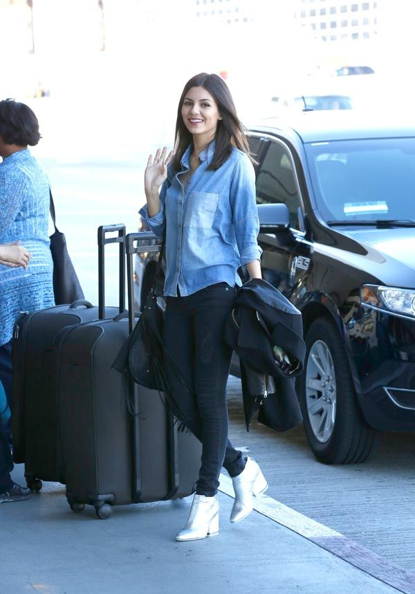 Victoria Justice is wearing Bobbi shirt in White Cap