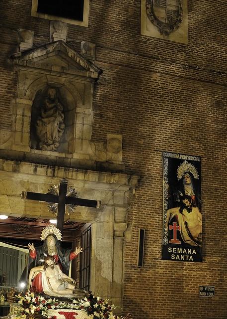Semana Santa de Valladolid.by César Angel. Zaragoza, via Flickr