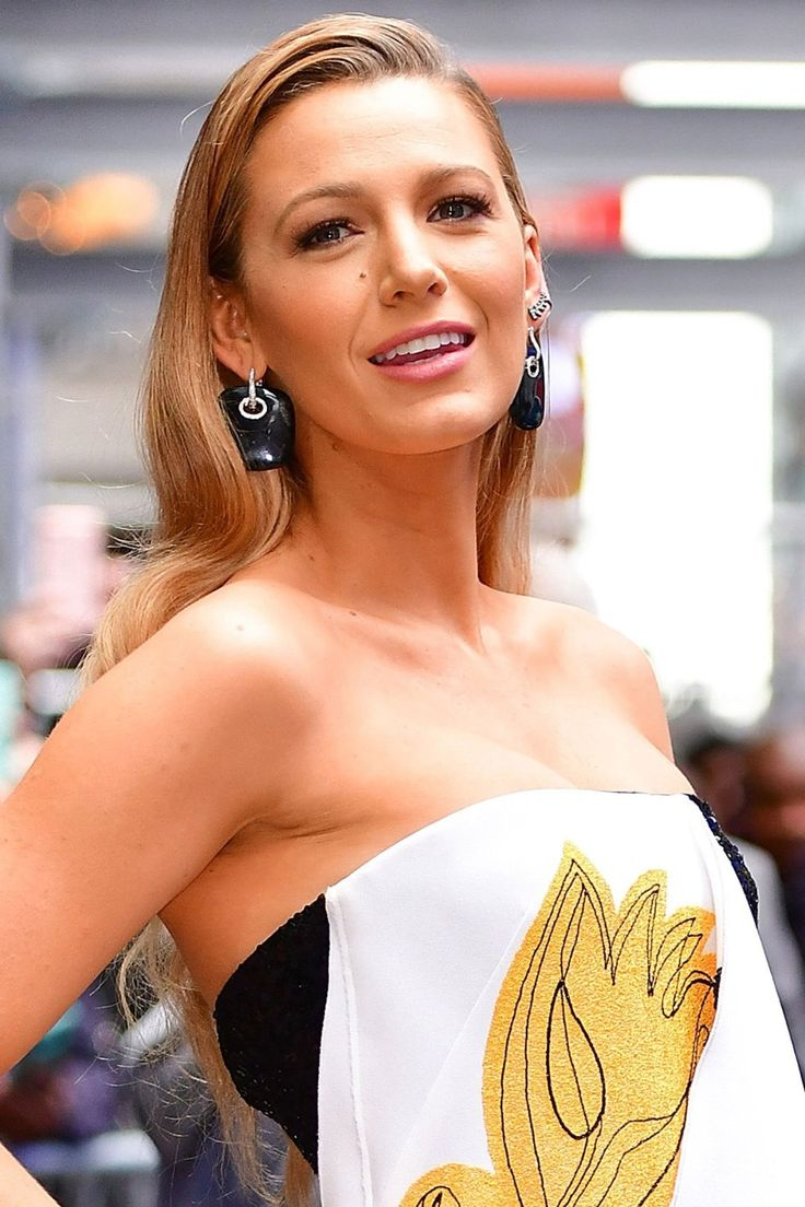 blake lively net worth - 736×1104