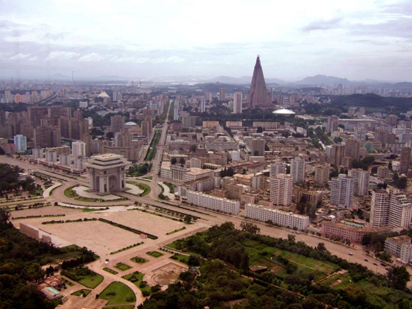 Pyongyang, North Korea.                    Where are the people?????