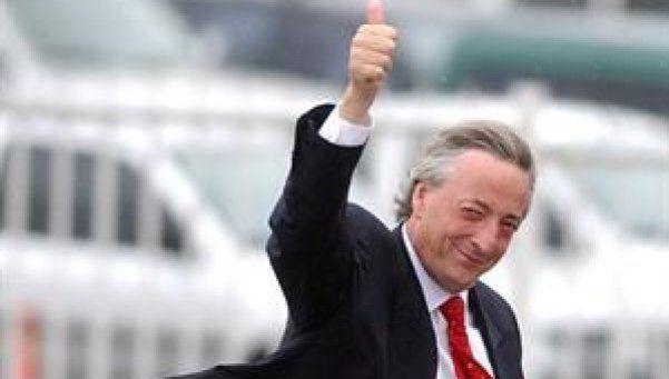 Se cumplen cuatro años de la muerte de Néstor Kirchner.  Un día como hoy, pero de 2010, el país se conmovía ante la noticia sorprendente del fallecimiento de Néstor Kirchner. http://www.diariopopular.com.ar/c207174