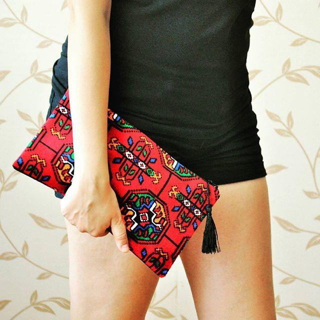 We love colors! #anatoliangirls #design #tasarım #bag #kırmızı #çanta #zetsocial #blogger #bloggerlife #instapic #instagood #bohemian #freespirit #bohemiangirl #cute #güzel #haftalar #boho #bloggerstyle #bloggergirl #gipsy #gipsystyle #otantik #handmade #elyapımı #zet #fasion #fasionista #fashionblogger