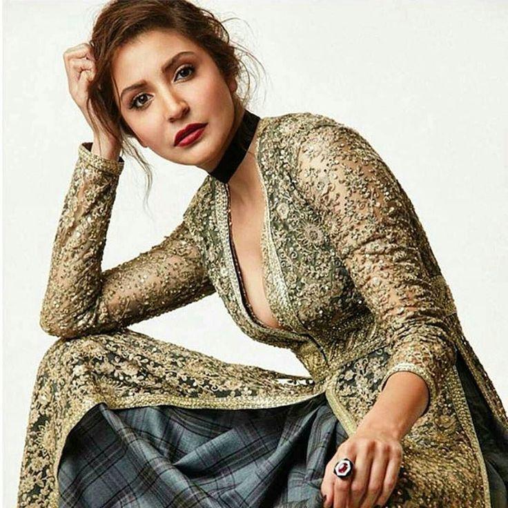 In #Octoberissue for @elleindiaofficial  @anushkasharma wearing intrinsic's #velvet #choker to pair with #Indians as #beautiful as #sabyasachi #firdaus  styled by @malini_banerji and @sabyasachiofficial #bollywood #wedding #anushkasharma #aedilhaimushkil #elleindia #ellemagazine