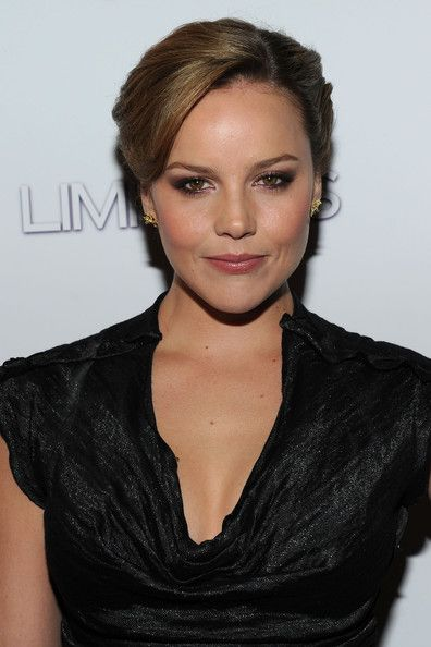 Delightful Abbie Cornish...  Yummy Babe...   Cornish has landed a role in the upcoming reboot RoboCop film. She plays Ellen Murphy the wife of the protagonist Alex Murphy played by Swedish actor Joel Kinnaman.