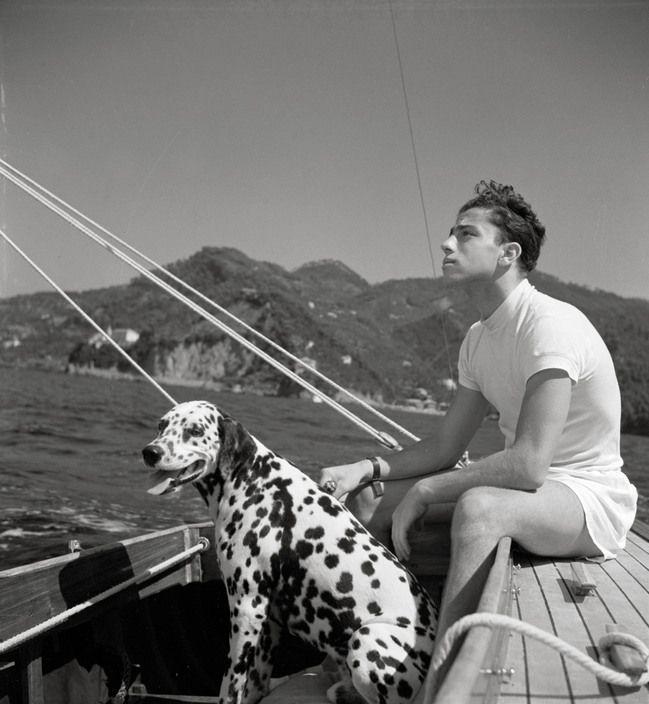 1bohemian:   Italy. Liguria. Portofino. 1936   Herbert List