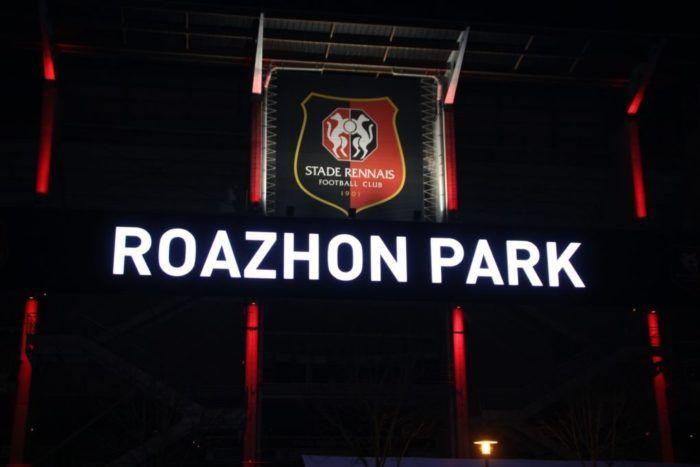 LE ROAZHON PARK VA DÉMÉNAGER : LE STADE RENNAIS S'ORGANISE Le Roazhon Parkdu Stade rennais va déménager de la route de Lorient à Rennes pour s'installer un peu plus loindansla commune du Rheu. Des années de concertations dans le secret des couloirs de la municipalité et des tractations avec les propriétaires des parcelles convoitées ont finalement... https://www.unidivers.fr/roazhon-park-route-lorient-stade-rennais/ https://www.unidivers.fr/wp-content/uploads