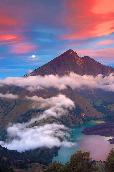 ✯ Moonrise Mt.Rinjani