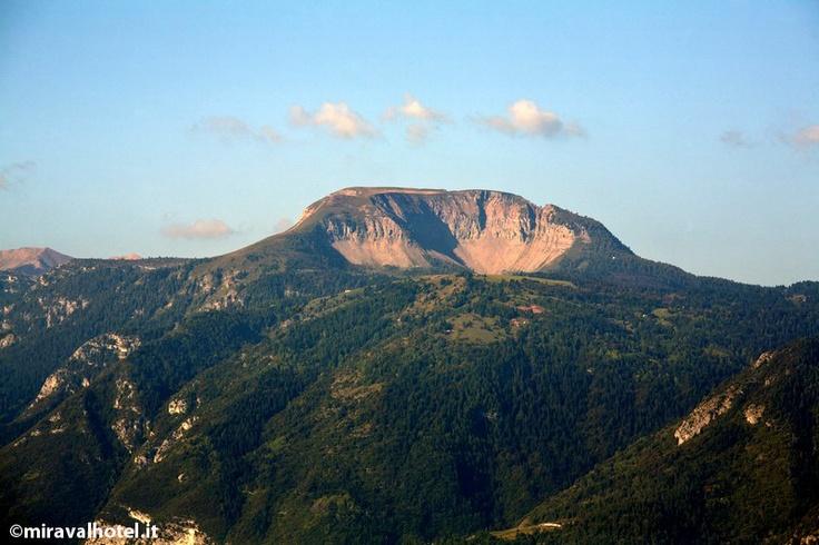Monte Peller, l'ultima propaggine delle #Dolomiti di Brenta dove vive ancora l'orso! Escursione da fare in #ValDiNon