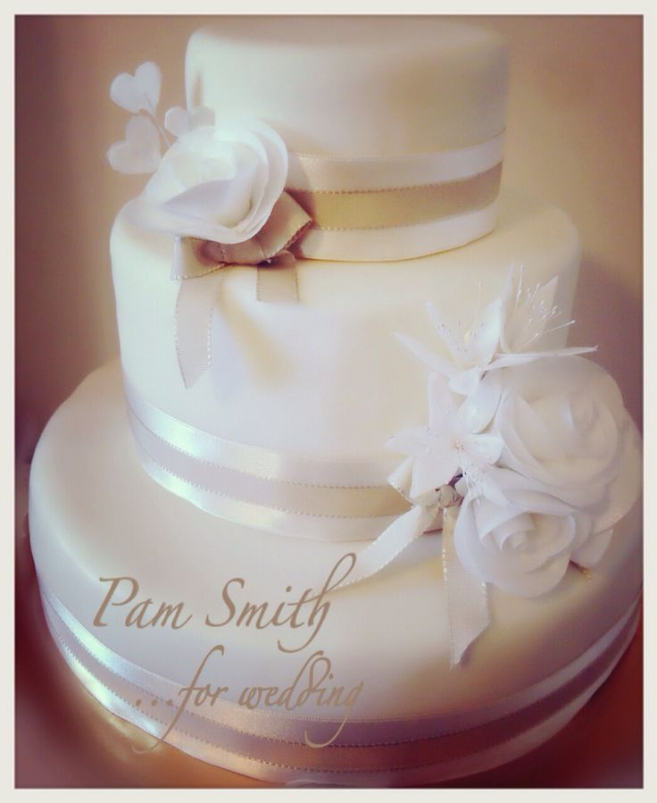 White...Wedding Cake #weddingcake #pamsmithcakes