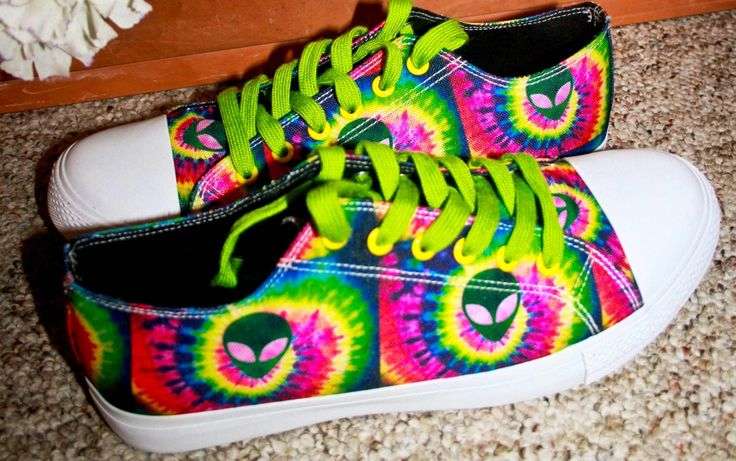 Let me introduce you to my favorite new shoe company! Monogenius is such a fun way to create your own special pair of shoes. My tie-dye alien kicks are my favorite pair of shoes I've ever owned, and...