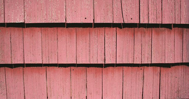 Deve-se colocar revestimento de madeira sobre paredes de alvenaria?. Revestimento de madeira pode ser instalado sobre paredes de alvenaria. É disponível em diversos tipos de madeira e designs. O revestimento pode ser de carvalho, castanheiro, cedro e pinho, só para citar alguns. Pode ser de tábuas estreitas ou largas que podem ser pendurados em qualquer padrão que puder pensar. Cedro pode dar um visual ...