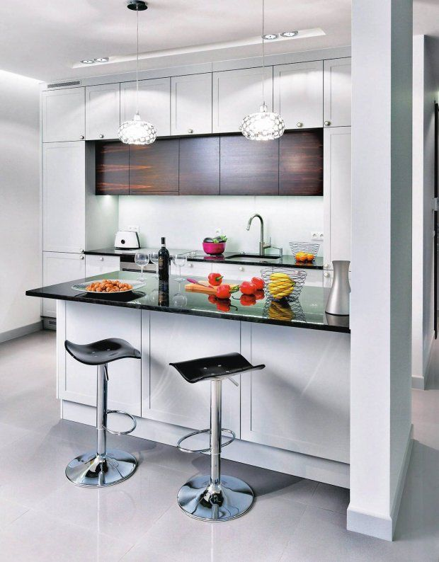 Dwa rzędy szafek górnych znacznie zwiększają liczbę schowków Te - küchenzeile 160 cm