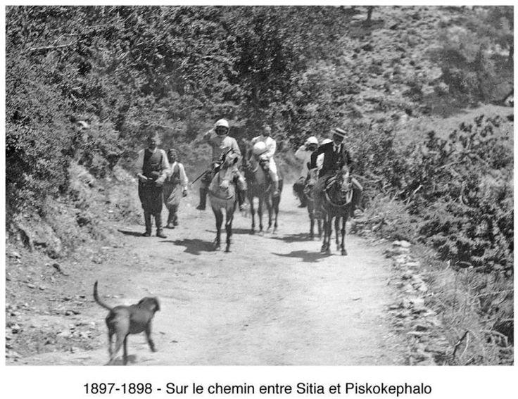Μεταξύ Σητείας και Πισκοκέφαλου.  1897-1898.Φωτογραφικό Αρχείο του συνταγματάρχη Émile Honoré Destelle. Δημοσίευση Ελένης Σημαντήρη.