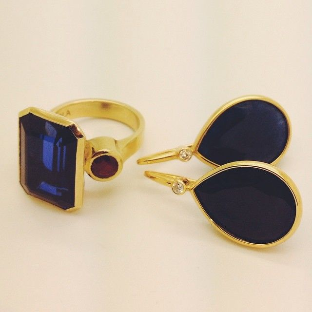 """""""Gorgeous sapphires with diamond and ruby accents set in 18ct gold. Perfect for Saturday evening -Esola"""""""