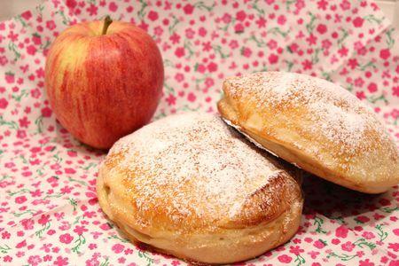Galettes briochées à la compote de pommes