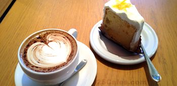 Zokka Coffee Roaster cafe in Mejiro in Tokyo, Japan http://www.25cafes.com/2012/02/20/zoka-coffee-roaster-japan-no-smoking-cafe-tokyo-mejiro/