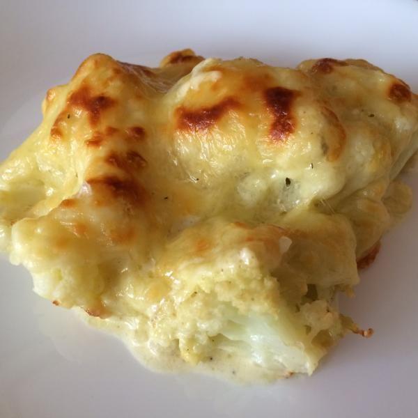 Aprende a preparar coliflor gratinada al horno sin bechamel con esta rica y fácil receta.  En esta receta aprenderemos a realizar coliflor gratinada con una salsa de...