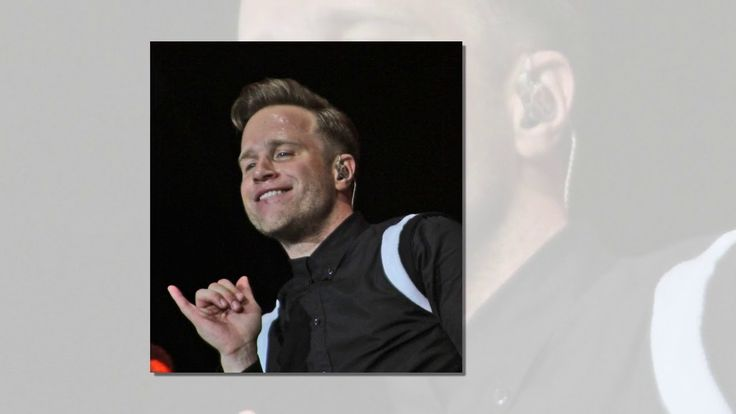 Conor McGregor vs Floyd Mayweather: Celebs Justin Bieber Niall Horan and Olly Murs weigh