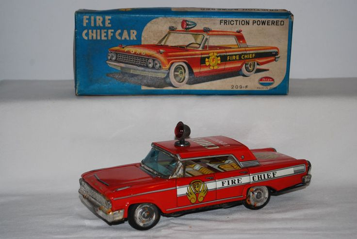 VINTAGE TIN TOY JAPAN TAIYO FORD FAIRLANE CHIEF CAR 209-F FRICTION IN BOX