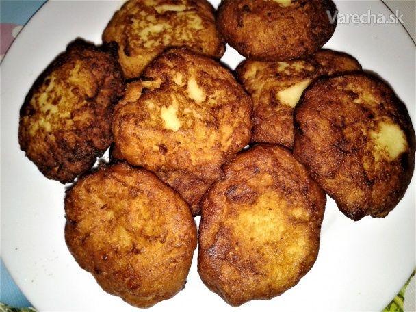 Zemiakové fašírky s kozím syrom a kyslou smotanou (fotorecept) - Recept