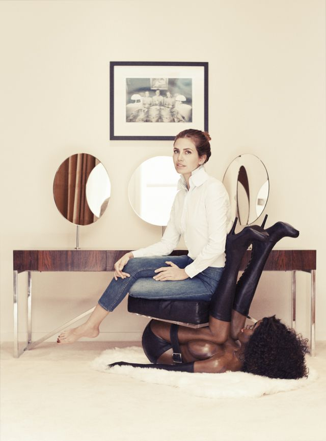 """Russian Socialite Uses """"Black Woman's Body"""" As A Chair"""