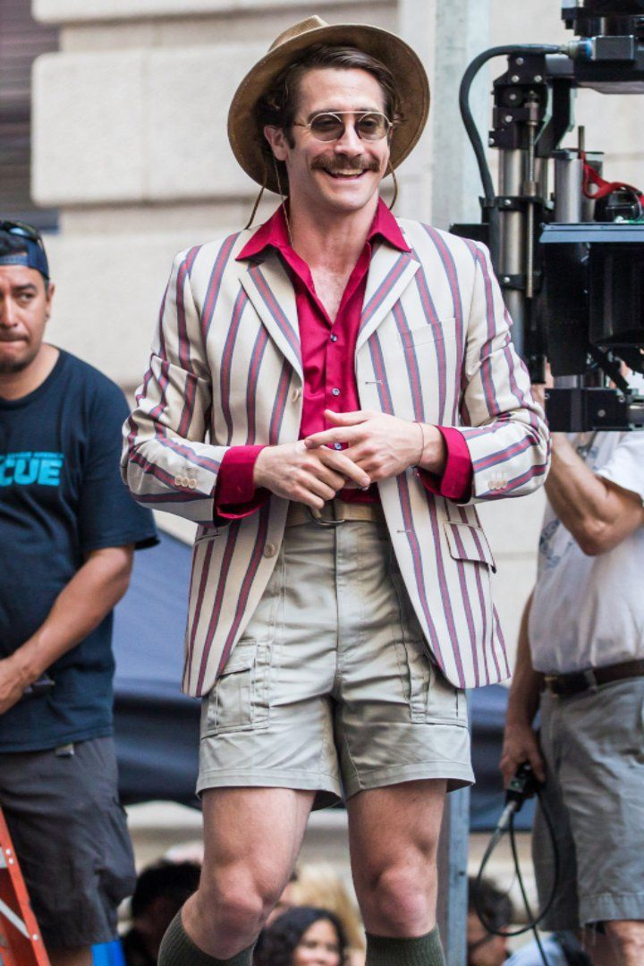 Pin for Later: Jake Gyllenhaal Looks Unrecognizable While Filming His New Movie in NYC
