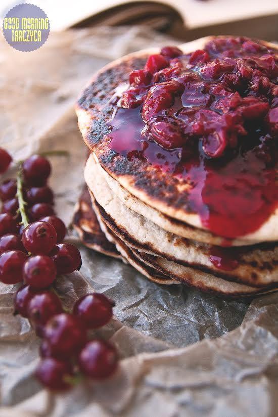 Pancakes z sosem porzeczkowym/ Pancakes with currant sos