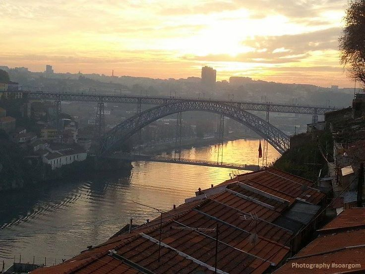 Por do sol. Cidade do Porto http://on.fb.me/12sWyUn