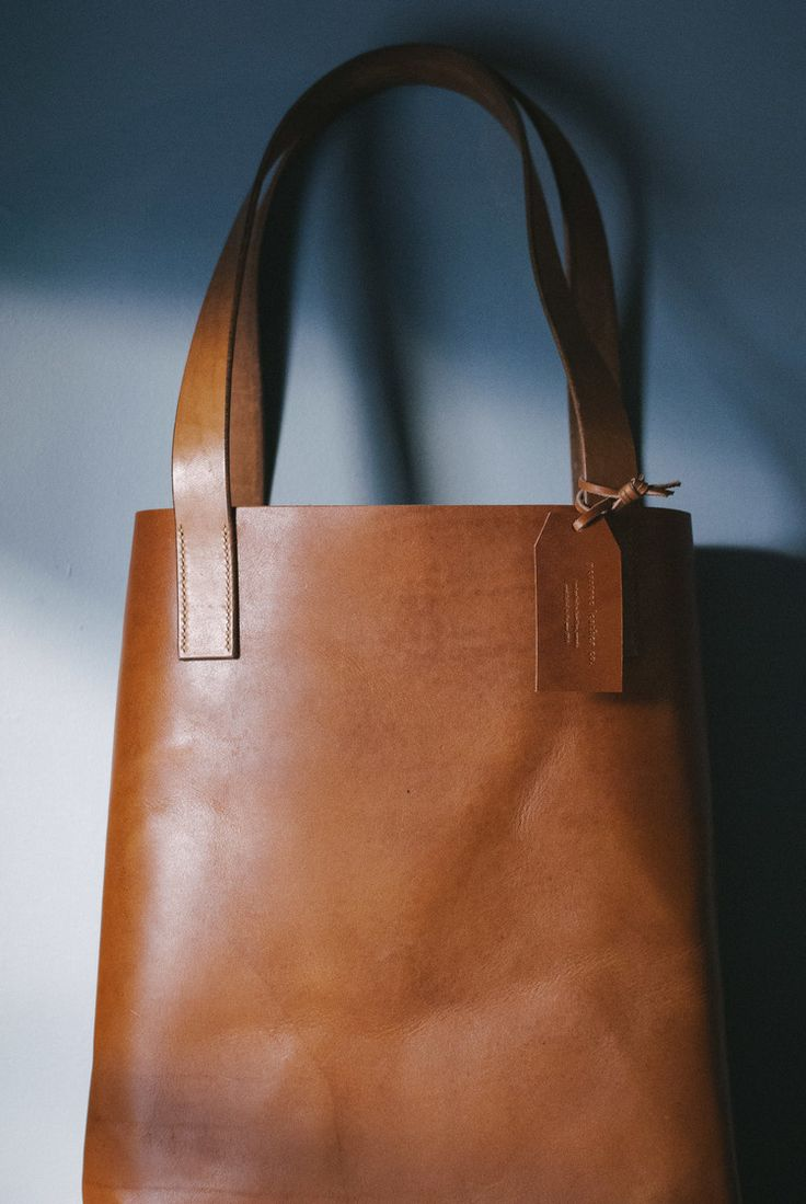In love with this Peartree Leather Co. - Tote Bag