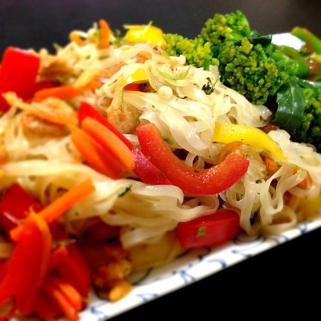 レシピとお料理がひらめくSnapDish - 44件のもぐもぐ - パッタイと茎ブロッコリー by kuchi